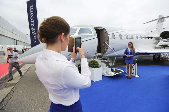 Бизнес-джет Gulfstream G280 может взять на борт до 10 человек