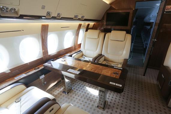 Бизнес-класс самолета МЧС Sukhoi Superjet 100