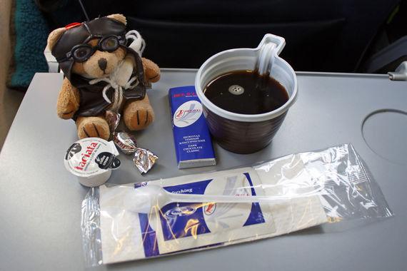 Строчкой ниже расположился национальный перевозчик Белоруссии «Белавиа».  Его часто хвалят за наличие питания на коротких рейсах, хотя бутерброды  оценивают не очень высоко