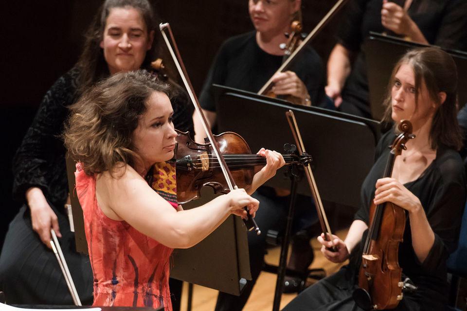 За недолгое время молдавская скрипачка Патриция Копачинская стала европейской знаменитостью