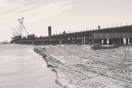 Нельзя не вспомнить, что за проекты моста или тоннеля на Сахалин в России и СССР принимались не раз