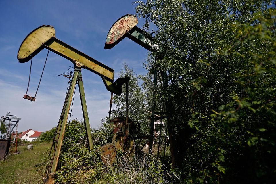 После отмены сделки по ограничению добычи в 2018 г. страны договорились начать постепенно увеличивать добычу, говорил Новак в июне