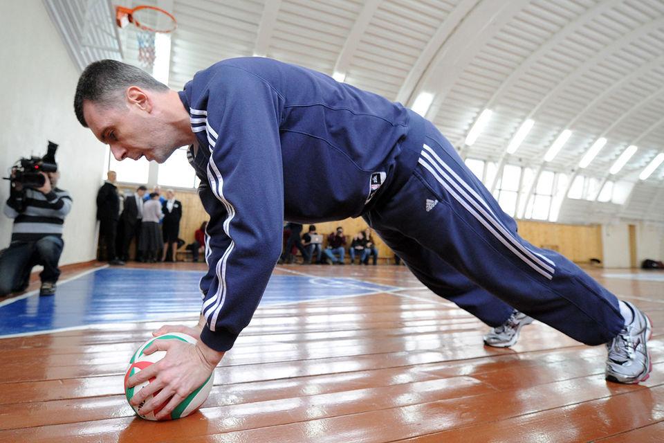 Михаил Прохоров стал первым иностранным владельцем команды НБА