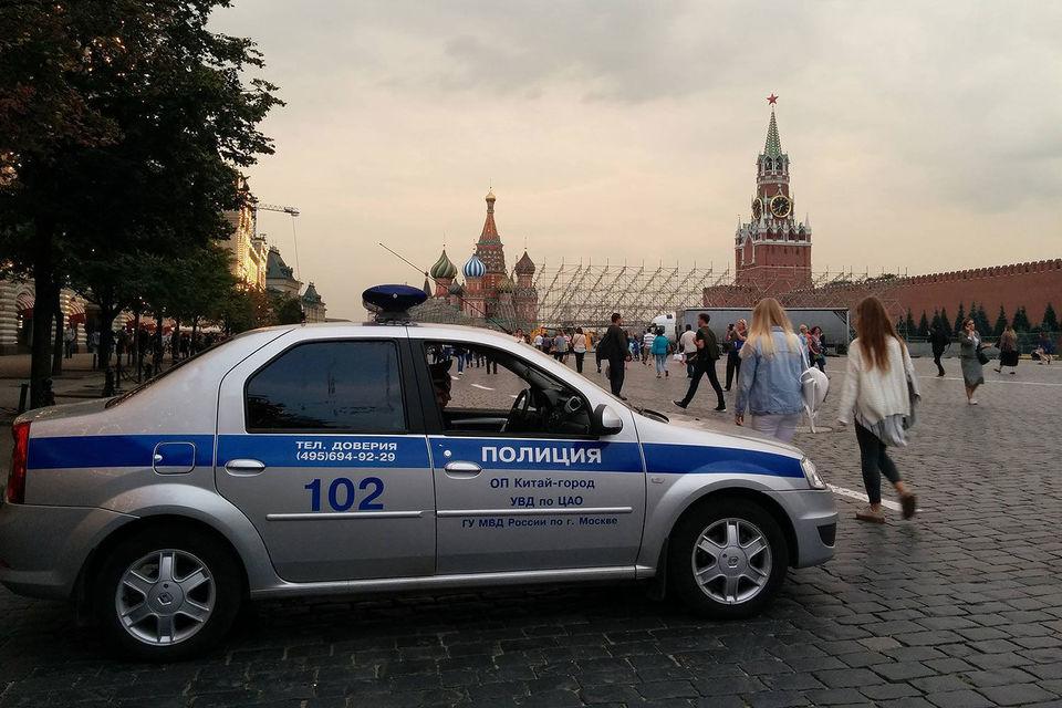 Не менее 300 человек были эвакуированы с территории Красной площади