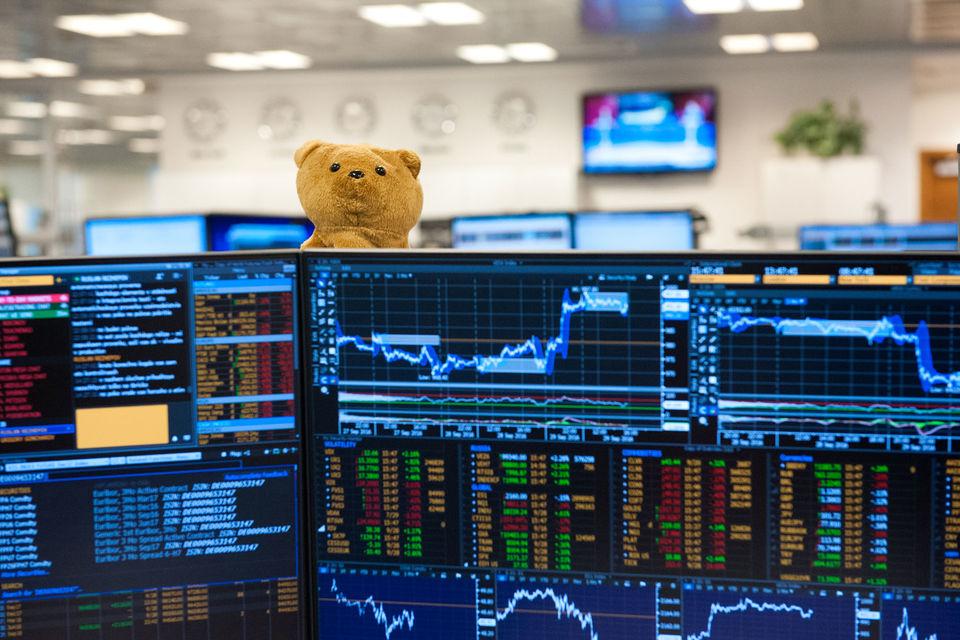 Российские инвесторы тоже могут вложиться в ETF, напоминает гендиректор Velstand Capital Виталий Бутбаев, в том числе обращающиеся в России, но таких немного и затраты высоки