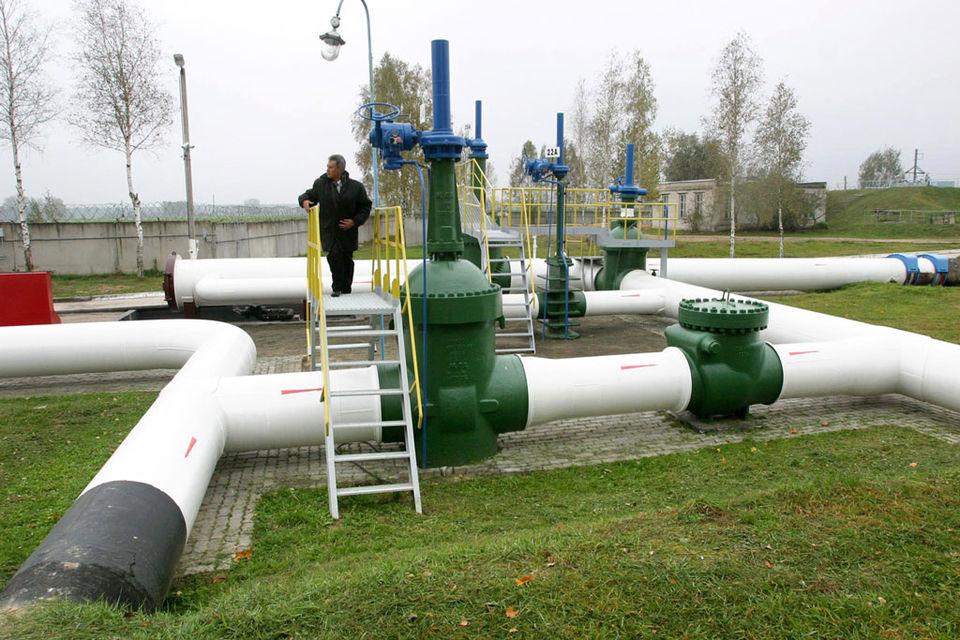 Российские компании заинтересованы увеличивать экспорт российской нефти по трубе, говорит аналитик Raiffeisenbank Андрей Полищук