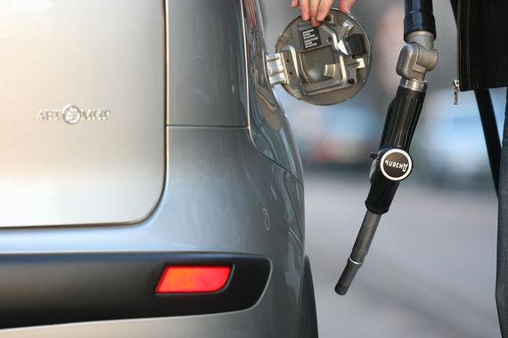 Производство автомобилей с бензиновым двигателем набирает обороты
