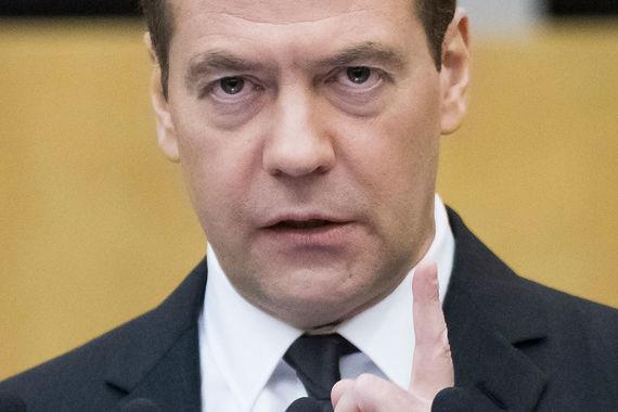 В год основания «Ведомостей» Дмитрий Медведев назначен заместителем руководителя аппарата правительства. Затем «Ведомости» писали о Медведеве – председателе совета директоров «Газпрома», зампредседателя правительства и президенте страны. С 2012 г. Медведев возглавляет правительство