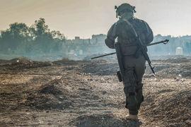 На данный момент сирийские войска при поддержке ВС России продолжают наступление в окрестностях Дейр-эз-Зоре