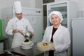 Прежде чем десерты без муки и сахара стали получаться вкусными, Анастасия Талышкина испортила массу продуктов