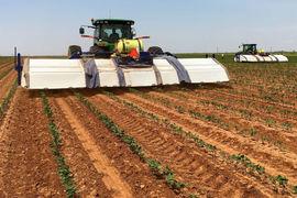Недавно американский производитель тракторов объявил, что  заплатит $305 млн за стартап, который  использует искусственный интеллект, чтобы сделать  оборудование для распыления гербицидов более эффективным