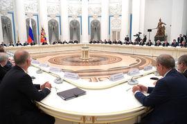 Владимир Путин встретился с крупным бизнесом на три месяца раньше обычного