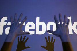 Для раскрытия источников политической рекламы Facebook наймет дополнительно 250 сотрудников