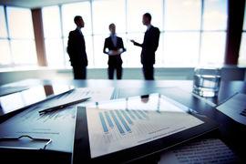 Лучшие наставники консультируют новых директоров до и после заседаний  советов на протяжении как минимум шести месяцев, говорят эксперты