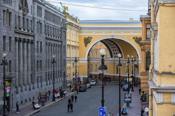 Арка была построена в 1828 г. как главный и завершающий монумент Главного штаба, посвящённый Отечественной войне 1812 года