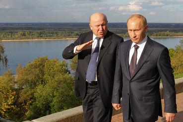Шанцев стал вторым за два дня губернатором, досрочно сложившим полномочия