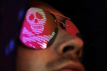 Хотя ИГ преуспело в использовании соцсетей для пропаганды и привлечения  сторонников, его подразделение, отвечающее за кибератаки, даже близко не  так эффективно, пишет BBC