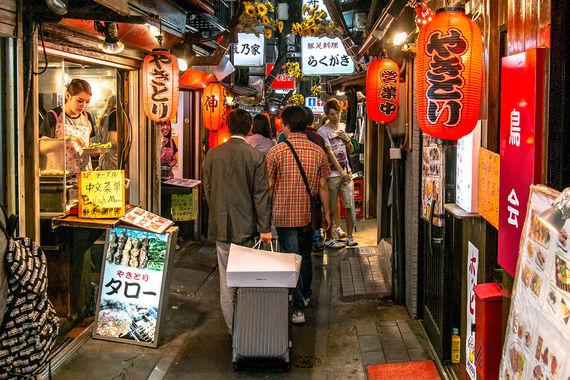 В Токио расходы иностранных туристов составили $11,3 млрд (+3,7%). Это  один из самых быстрорастущих городов по тратам путешественников в мире.  Так, в рейтинге самого дорогого города для свидания Токио занял третье  место