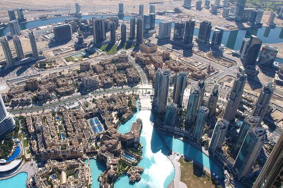 Расходы иностранных туристов в разных странах растут на уровне или даже  выше темпов роста ВВП, говорится в исследовании Mastercard. Компания  изучила 132 города мира с точки зрения их привлекательности для  путешествий и затрат туристов. Больше всего денег в 2016 г. туристы  потратили в Дубае – $28,5 млрд (за год траты увеличились на 10%).  Стабильно много в Дубае тратят русские, утверждают в департаменте  туризма и коммерческого маркетинга региона. По числу туристов Россия  входит в десятку стран-лидеров, а по тратам - в тройку