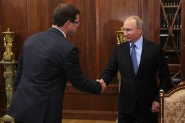 Первые два осенних выдвиженца Путина – сменивший Меркушкина бывший мэр  Самары и сенатор Дмитрий Азаров (на фото) и Никитин – близки к госкорпорации  «Ростех»