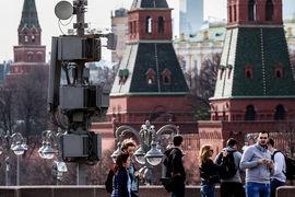 Идея была очистить городское небо от проводов, но вместе с ними город лишится и средств связи