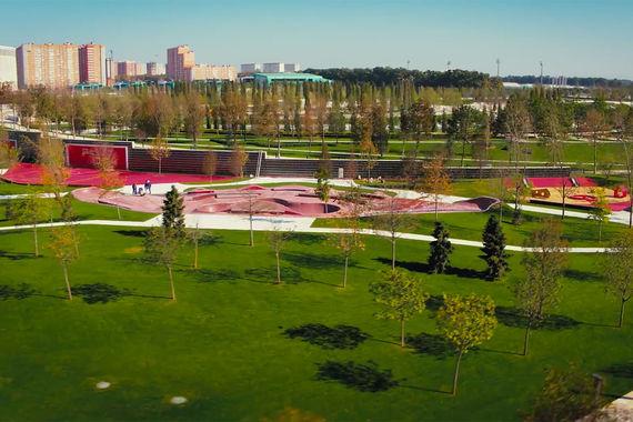 Как и в «Зарядье», территория парка в Краснодаре поделена на несколько    зон. Но не климатических, а тематических