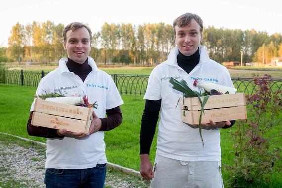 Иван и Сергей Березуцкие дебютировали в расширенном The World's Best Restaurants в 2016 г. Тогда за работу ресторана Twins они удостоились 75-го места. В 2018 г. их новый Twins Garden попал на 72-ю строчку