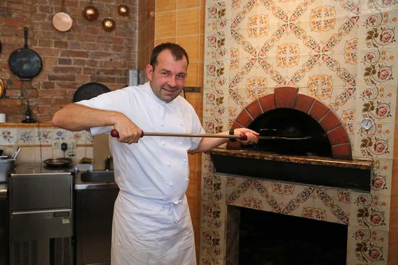 Сергей Ерошенко, шеф-повар и владелец ресторана «Честная кухня», попал в сотню лучших в 2016 г. - на 100-е место