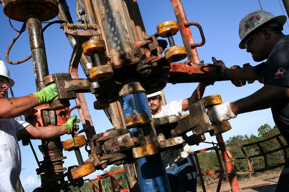 США увеличивают экспорт нефти, пока страны ОПЕК сокращают добычу