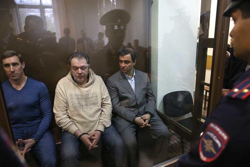 Пирумов (на фото третий слева) был освобожден в зале суда в связи с отбытием срока наказания
