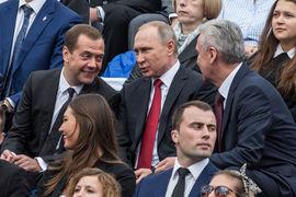 Если бы Путин не пошел на выборы, то в рейтинге лидировал бы Медведев (8%)