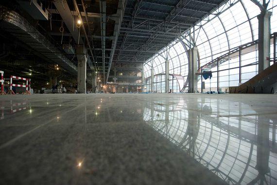 Площадь нового сегмента терминала – 239 000 кв. м, по окончании строительства нынешние площади «Домодедово» удвоятся