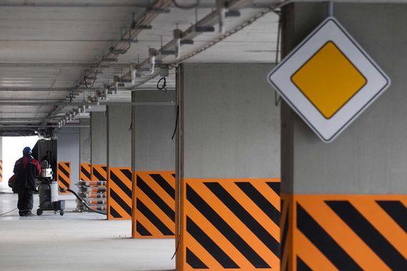 Первую очередь паркинга вместимостью 1500 машино-мест планируется ввести уже в 2017 г., обещают представители аэропорта