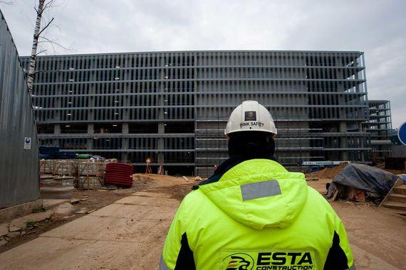 Помимо расширения терминала в «Домодедово» достраивается новый 9-уровневый паркинг