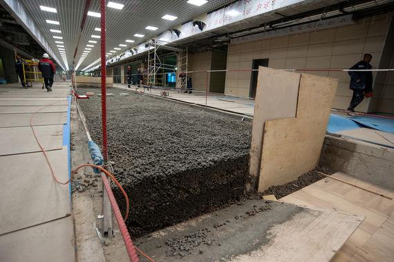 В строящемся сегменте терминала предусмотрено 18 000 кв. м для коммерческой аренды. Всего в обоих сегментах под коммерческую аренду запроектировано порядка 44 000 кв. м (на август использовалось 12 700 кв. м)