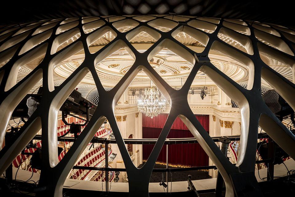 Люстра – не последняя ценность любого театра, в том числе берлинской Staatsoper