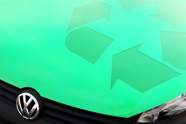 Сам Volkswagen не производит в России спецтехнику, в основном – легковые автомобили, говорит аналитик «Атона» Михаил Ганелин. В Крым подобная техника и не поставляется, отмечает он