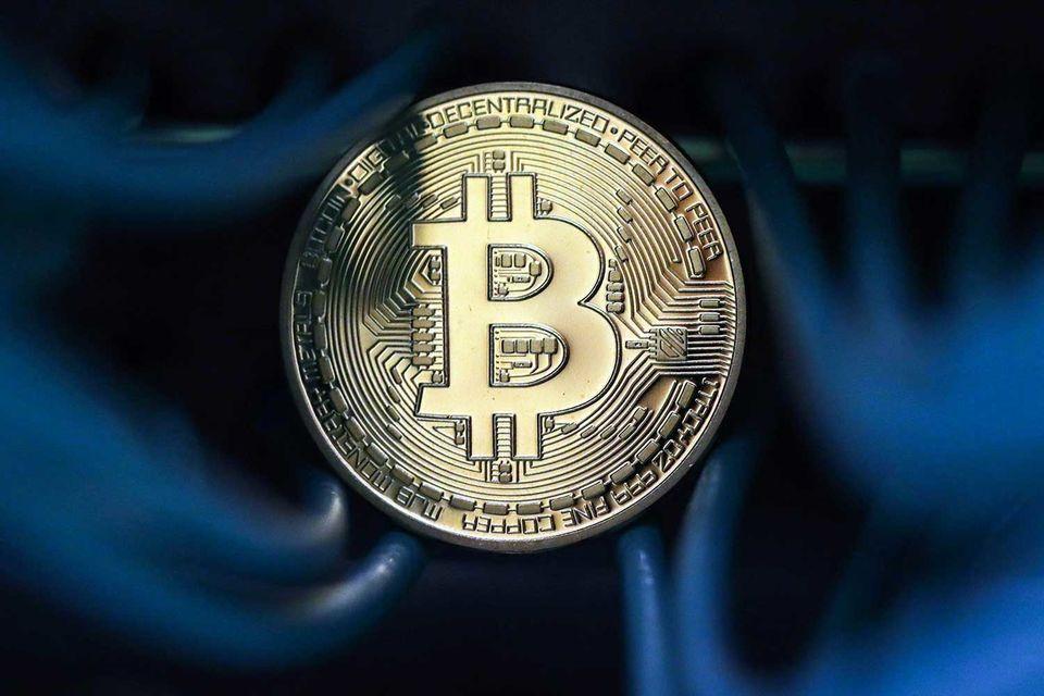 В начале сентября биткойн ненадолго поднимался выше $5000, по данным CoinDesk