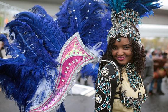 Улицы и переулки от Ильинки до Лужников, выходящие на Пречистенскую,   Фрунзенскую и Лужнецкую набережные, перекрывали в Москве 13 и 14 октября   из-за проведения парада-карнавала