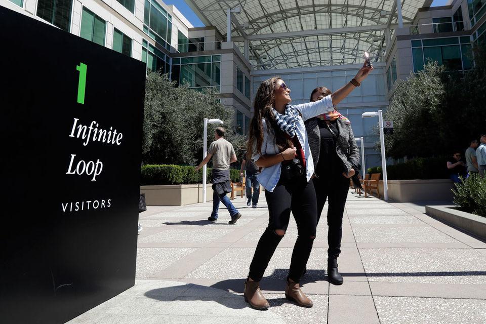 Выпускницы бизнес-школ, ищущие работу, признавались FT, что прошлые проблемы компаний волнуют их меньше, чем курс, взятый на будущее