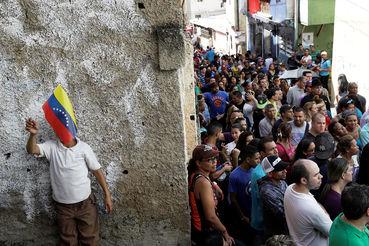 Платежи за обслуживание долга составляют около 75% стоимости экспорта Венесуэлы, это самый высокий показатель в мире