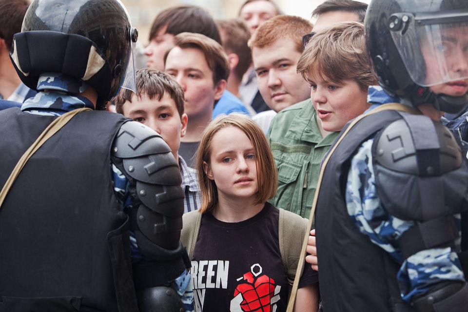 ВМВД посоветовали  подвергать наказанию  учителей заучаствующих вмитингах школьников