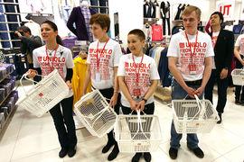 Uniqlo вышла на российский рынок в 2010 г., открыв первый магазин в московском торгово-развлекательном центре «Атриум»