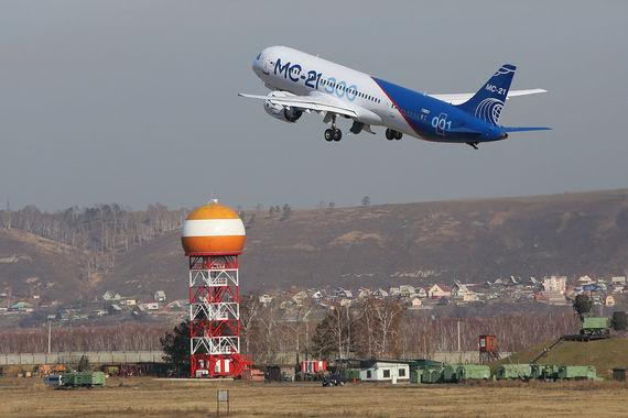 Новый лайнер МС-21 впервые прилетел в Москву