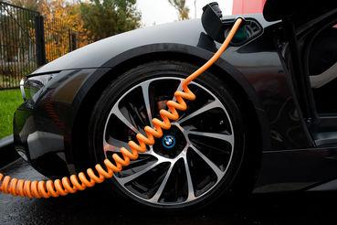 Автоконцерны просят продлить нулевые ввозные пошлины для электромобилей