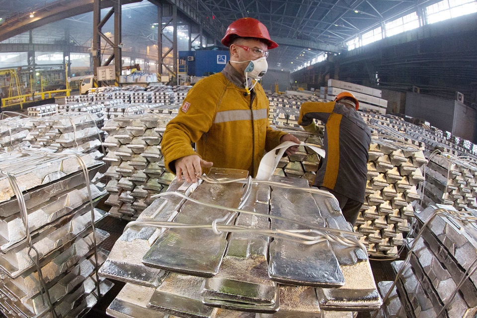 Glencore меняет акции UC Rusal на расписки En+