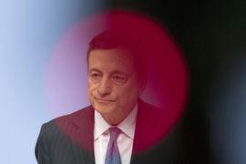 Решение ЕЦБ ужесточить политику может дорого обойтись многим странам (на фото президент ЕЦБ Марио Драги)