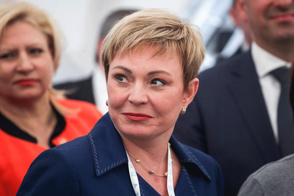Ранее досрочную отставку Ковтун прогнозировали два близких к Кремлю собеседника «Ведомостей», оба говорили, что планировалось ее увольнение осенью этого года
