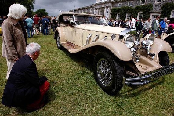Британцы кутят на пенсионные накопления – спускают в казино и покупают машины