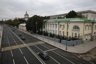 В презентации комплекса говорится, что сейчас на 11 га между  Москворецкой набережной, ул. Солянка и Устьинским проездом расположено  33 строения общей площадью 113 000 кв. м.